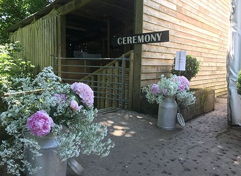 ceremony-barons-barn