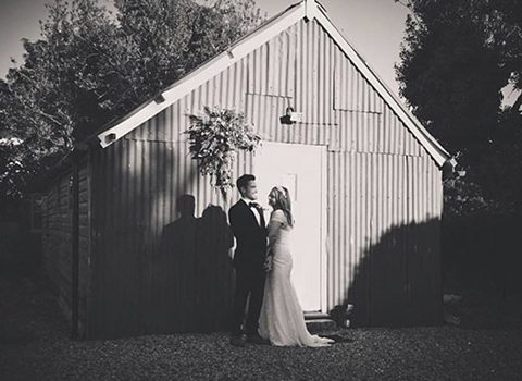 Wedding-at-the-barn-barons-hill